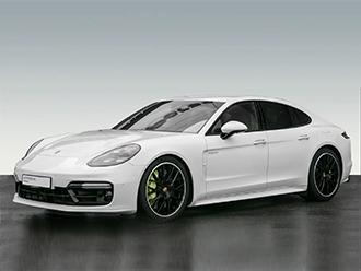Mut verändert den Sportwagen der Zukunft. Und die Zukunft des Sportwagens. Der Panamera Turbo S E-Hybrid.
